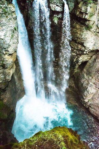 Waterfall landing ........ van