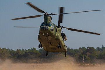 Landing Chinook CH-47D at GLV5. van Patrick Vercauteren