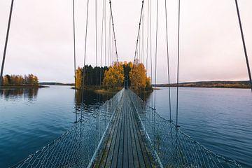 Pont suspendu vers une île inhabitée sur Kimberley Jekel