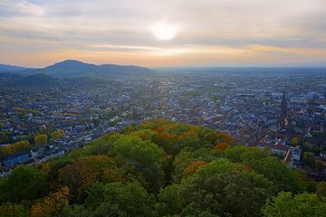Herfst boven Freiburg van Patrick Lohmüller
