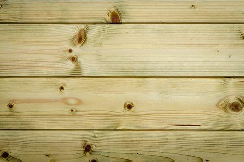 Nieuw geimpregneerd hout van de schuur