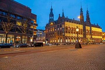 Magna Plaza in Amsterdam bei Sonnenuntergang von Nisangha Masselink