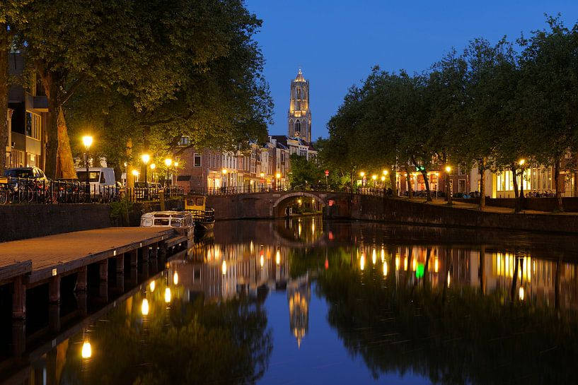 Zicht op Zandbrug en Oudegracht in Utrecht vanaf de Bemuurde Weerd (5) van Donker Utrecht