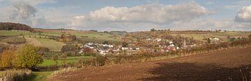 Panorama van Eys in herfstkleuren