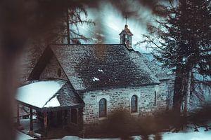 Kleine kapel gevonden in de bergen von Edzard Boonen