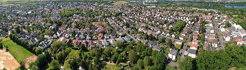 Stadtteil Laubenheim der Stadt Mainz, Luftbild Panorama von shop.menard.design - (Luftbilder Onlineshop)
