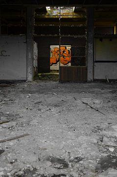 veertig jaar leeg monochroom no.3 van Robin Veenink