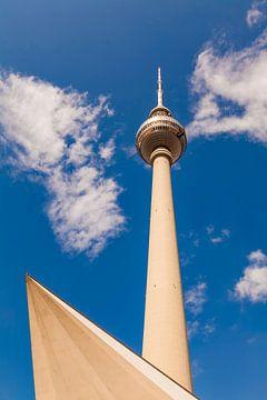 Tour de télévision sur l'Alexanderplatz à Berlin sur Werner Dieterich