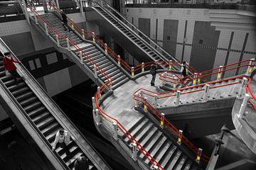 Trappen in Station Rotterdam Blaak van Robert van Brug