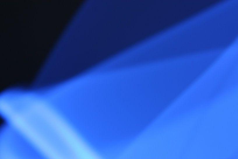 Blaues Licht (dunkel) von Sander de Jong