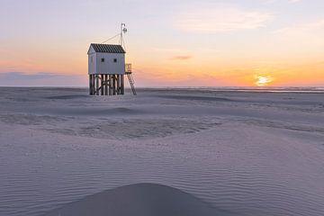 Drenkelingenhuisje Terschelling Sonnenuntergang von Sander Groenendijk