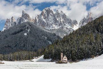 Geisler Dolomites in winter sur Michael Valjak