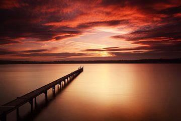 Lange loopbrug naar de zonsondergang van Frank Herrmann