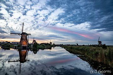 Zonsondergang  in Kinderdijk van Gert Jan Geerts