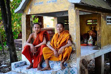 'Smiles of the monks' von