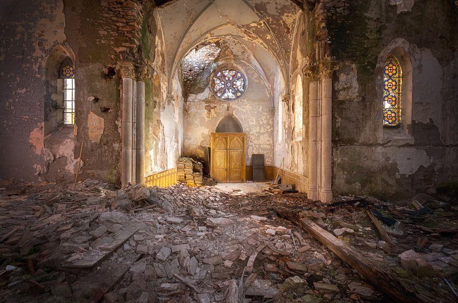 Sonnenlicht in der Kirche. von Roman Robroek