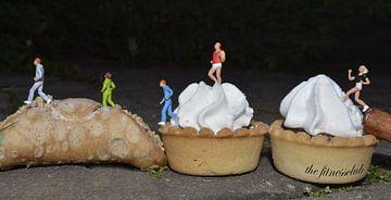 miniatuur world the fitnessclub eten voedsel taart little people van Groothuizen Foto Art