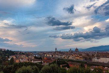 Prachtige wolken boven Florence von Roy Poots