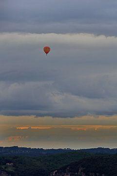 Zwischen den Wolken gefangen von Jack Tol