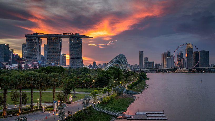 Sunsetview over Singapore von Bart Hendrix
