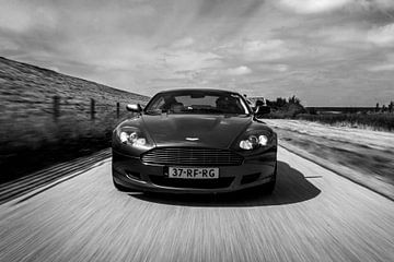 Aston Martin DB9 sur Martina Ketelaar