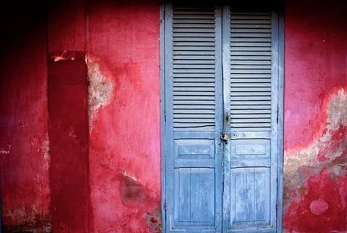 'Red and faded Blue' van Michael Klinkhamer