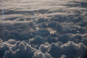 De zee vanuit de wolken van Roque Klop