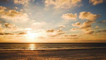 Ameland zonsondergang van Nico van der Vorm
