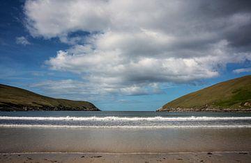 Strand bei Portacloy in Irland von Bo Scheeringa