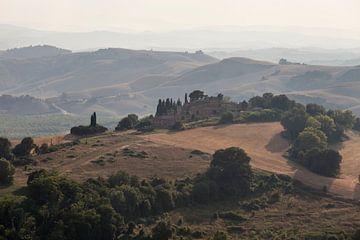 Le Crete, bij Siena, Toscane. van Rens Kromhout