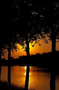 zonsondergang verborgen van Rick Biermans