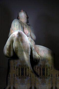statue d'une femme sur Cor Heijnen