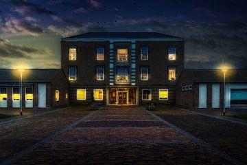 Photo du soir de l'immeuble Saint Joseph Carinova à Deventer Overijssel. sur Bart Ros
