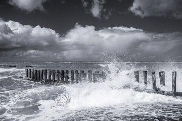 Sturm auf See (3) von Henk Verstraaten
