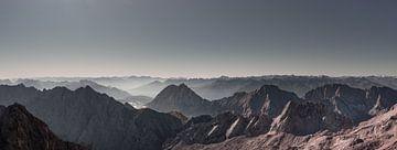 Bergpanorama bei wolkenlosem Wetter