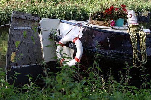 boot aan de waterkant