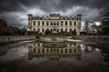 Schloss verlassen von Kelly van den Brande
