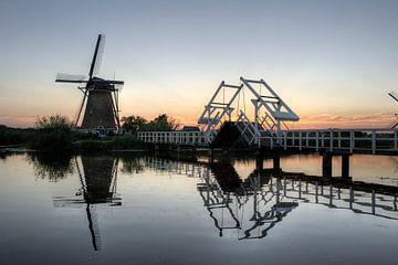 Traditional wind mill at Kinderdijk sur Esther Seijmonsbergen