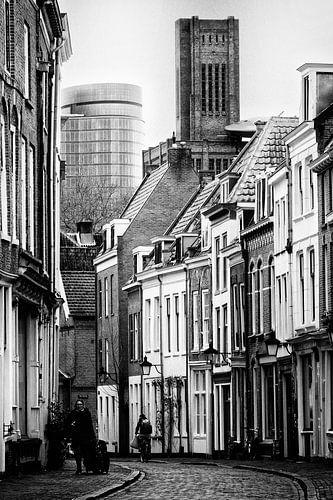 De Haverstraat in Utrecht met de Verrekijker en de Inktpot gezien vanaf de Oudegracht. van