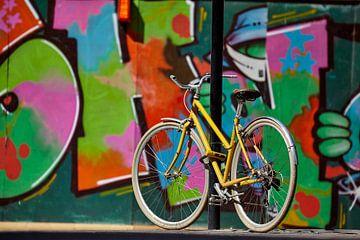 Gele fiets - Londen van David Bleeker