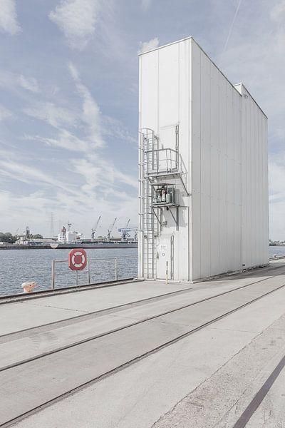 Identiteitsloze haven #7 van Maarten De Wispelaere