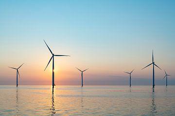Windturbines die duurzame energie produceren van Sjoerd van der Wal