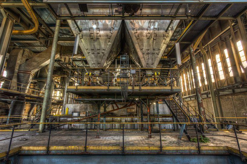 Symmetrie in energiecentrale van Sven van der Kooi (kooifotografie)