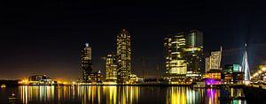 Kop van Zuid bij nacht panorama kleur