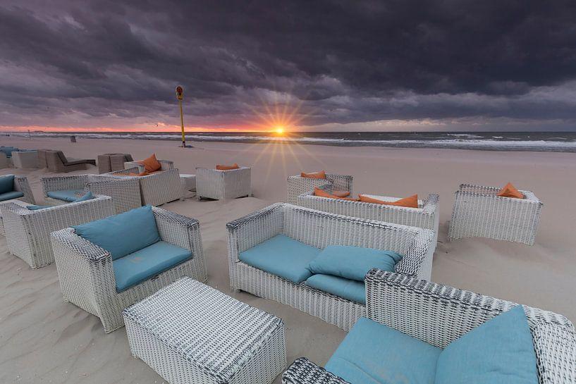 Het einde van het strandseizoen bij Kijkduin van Rob Kints