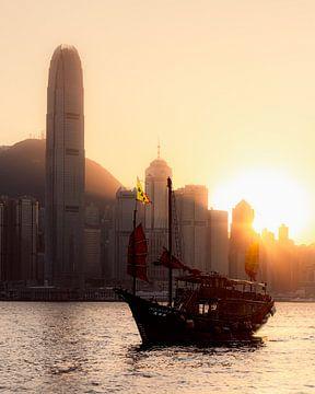 Chinese jonk in de haven van Hong Kong van Rudmer Hoekstra
