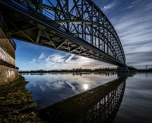 Spoorbrug over de Rijn bij Oosterbeek (ochtendlicht)