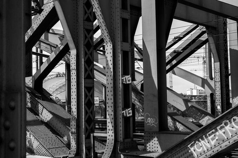 Trein brug in Köln van Karlo Huinink