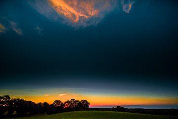 Sonnenuntergang mit Wolke von Holger Debek