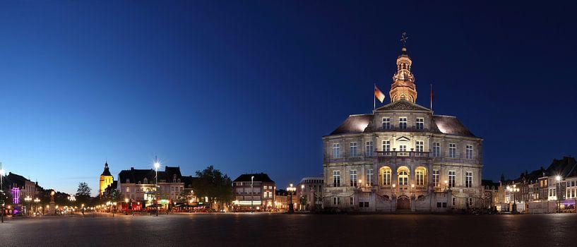 Stadhuis Maastricht van Pascal Lemlijn